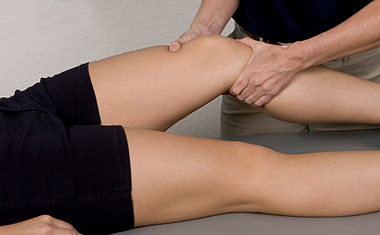 knee massage therapy
